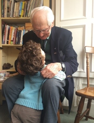 Contact the Elderly's 'friendship knows no age' winning entry from 2015